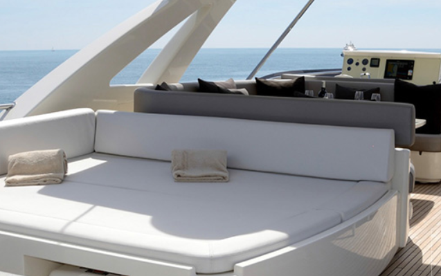 ferretti_800-yacht-boat-location-charter-10.png