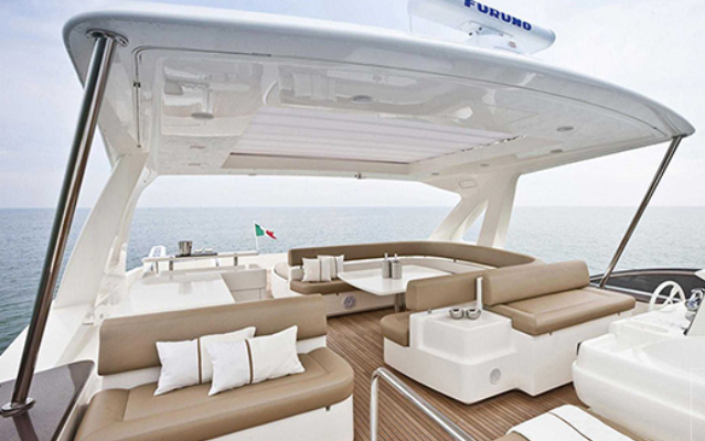 ferretti_800-yacht-boat-location-charter-8.png